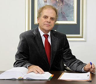 Dr. Luiz Armado Camisão